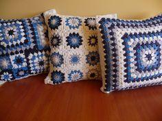 Fundas para almohadones - tejidos al crochet, $120 en http://ofeliafeliz.com.ar