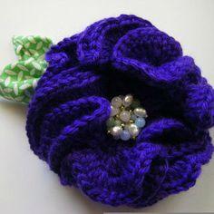 http://www.grzero.com.br/broche-de-flor-em-croche-passo-passo/