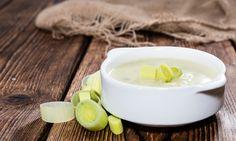 porehagyma-kremleves-recept2 Leek Recipes, Panna Cotta, Breakfast, Ethnic Recipes, Easy, Food, Celery Soup, Garlic, Salads