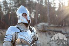 Bogenförmiger Fantasy-Elfen-Helm