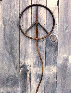 Rusty Peace Sign Garden Sculpture at bluemetaldesign.etsy.com