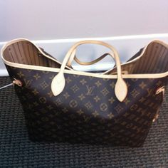 I need this!   Lois Vuitton large neverfull