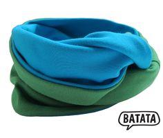 Batata-Loop für Kinder, zweifarbig, eine Seite grün, eine Seite türkis, aus Bio-Interlock-Jersey, toll weich, made in Germany, schick, cool, basic. Bezugsquelle: http://www.batata.de/Kinderkleidung-bis-Gr-146-152/Bestseller-Topseller-125/Loop-tuerkis-gruen.html #Batata