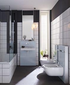 25 Winning Small Bathroom Decorating Ideas Adding Personality and Airy Feel to Room Design Beautiful Small Bathrooms, Tiny Bathrooms, Upstairs Bathrooms, Bathroom Design Small, Modern Bathroom, Bathroom Designs, Bathroom Black, Geberit Monolith, Space Saving Bathroom