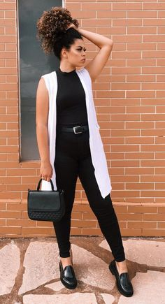 28 looks para você testar em fevereiro – Guita Moda 28 looks to try on February – Guita Moda Casual Chic Outfits, Cute Outfits, Black Jeans Outfit Casual, Outfit Jeans, Fashion Mode, Work Fashion, Fashion Outfits, Jeans Fashion, Mode Kimono