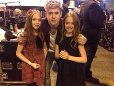 Niall with Louis's sisters!(:
