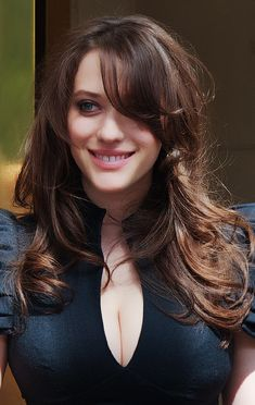 Kat Dennings with a bit of cle. is listed (or ranked) 8 on the list Hot Kat Dennings Boobs Pics Kat Dennings, Beautiful Celebrities, Beautiful Actresses, Most Beautiful Women, Non Blondes, 2 Broke Girls, Long Hair With Bangs, Popular Haircuts, Hairstyles With Bangs