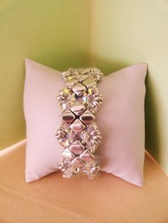 Ecco il tutorial del bracciale Sylvia : Bracelet par perles-des-caraibes.