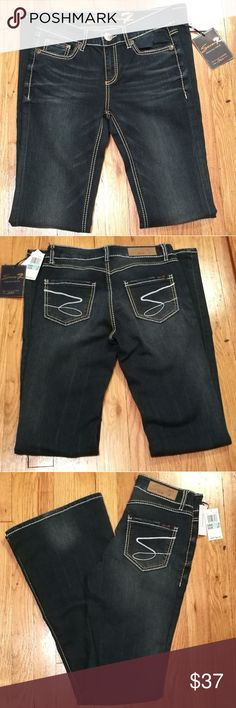 Seven7 Premium Denim Jeans- New w/tags Brand new pair of dark denim Seven7 jeans, just been sitting in the closet. There's one crease in one of the tags. Seven7 Jeans Flare & Wide Leg