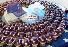 Baseball Cupcakes Dipped in Chocolate Glaze Chocolate Glaze Recipes, Flourless Chocolate Cakes, Chocolate Truffles, Chocolate Ganache, Melting Chocolate, Baseball Cupcakes, 50th Anniversary Cakes, Glazed Pecans