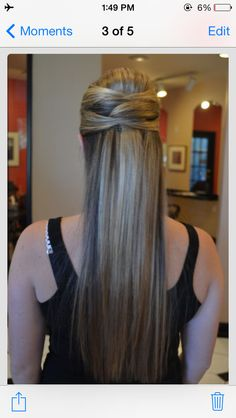 Love this hair style.