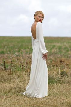 this backless dress is incredible - so gorgeous!!