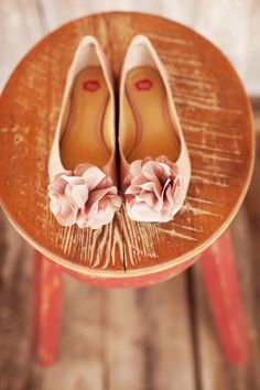 You know me and heels... <3 flats!  Want to find shoes like these!!!