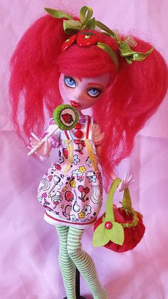 "Monster High Draculaura Custom ""Strawberry Cherry"" repaint Ooak"