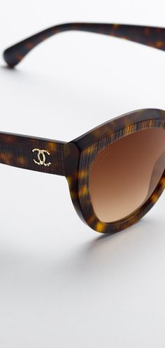 4a54b7697e Butterfly sunglasses in exclusive... - CHANEL Chanel Official Website