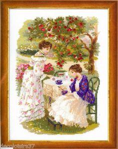 J'ai passé  ma commande de  Riolis Kit Point de Croix compté The Russian Country E. Tea under the Apple tree sur Lish, € 22,80