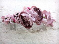 Tocado en colores violetas y rosas // hairdress in violet and pink colors