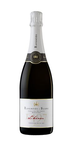 RAVENTÓS i BLANC on Behance Wine Labels, Champagne, Bottle, Wine, White People, Wine Tags, Flask