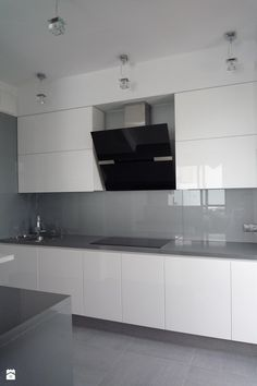 77 Modern Kitchen Layout Design (Photo Gallery) kitchenlayout - Home Decoraiton Kitchen Room Design, Modern Kitchen Design, Kitchen Tiles, Kitchen Layout, Home Decor Kitchen, Kitchen Flooring, Interior Design Kitchen, Home Kitchens, Kitchen Cabinets