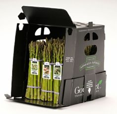 asperge display - I like that this asparagus shipper doubles as a retail display - smart, useful, and effective: that's what good packaging is all about! Chip Packaging, Fruit Packaging, Pretty Packaging, Brand Identity Design, Branding Design, Industrial Packaging, Innovative Packaging, Packing A Cooler, Food Branding
