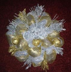 Christmas Wreath Long roll of Silver for base with medium roll of gold for second layer.