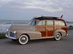 1948 Chevrolet Woody Wagon - Love the old woodies! Cars Vintage, Antique Cars, Vintage Auto, Vintage Trailers, Station Wagon, General Motors, My Dream Car, Dream Cars, Skateboard