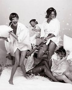 """Vogue Italia supplement Linda Evangelista, Naomi Campbell, Amber Valletta, Christy Turlington & Shalom Harlow by Steven Meisel """