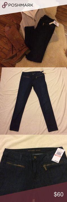 Michael Khors skinny jeans Stellar wash (dark) jeans with zipper pockets and skinny fit! Michael Kors Jeans Skinny