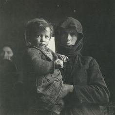Βούλα Παπαϊωάννου (34) Greece Photography, Female Photographers, Conceptual Art, The Past, In This Moment, Fine Art, Greeks, Black And White, History
