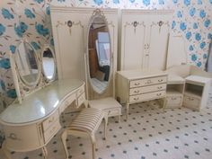 Louis style vintage bedroom furniture