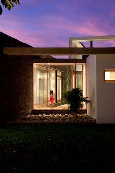The Ecuadorian architectural firm, Diez + Muller Arquitectos, designed the Casa 2V, located in Tumbaco, Ecuador. Photos by: Sebastian Crespo