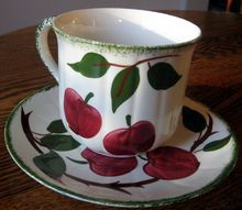 Blue Ridge Southern Potteries Bay Apples Jumbo Cup and Saucer Carnival Glass, Blue Ridge, Vintage Love, Cup And Saucer, Dinnerware, Southern, Pottery, Antiques, Tableware