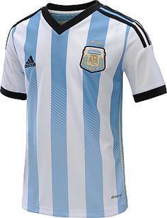Esta es una camiseta de fútbol. Esta camiseta representa a la Argentina en el Mundial. la Copa del Mundo, es una competición de fútbol asociación internacional impugnada por los equipos nacionales de la memb de los hombres altos