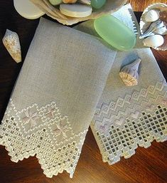 Hardanger Embroidery Tutorial Touch of Elegance Hardanger Guest Towels by Cindy Valentine Designs, it's been awhile but I actually did some pieces of Hardanger embroidery :-) Embroidery Designs, Types Of Embroidery, Learn Embroidery, Hand Embroidery, Hardanger Embroidery, Cross Stitch Embroidery, Bordado Tipo Chicken Scratch, Art Du Fil, Swedish Weaving