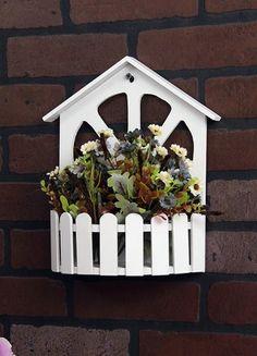 Chiccy decolife Beyaz Üzeri Çatı Formunda Çitli Duvar Tipi Ahşap Çiçeklik Online Satın Al | Chiccy Deco Lİfe | Markafoni