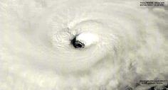 @PedroCFernandez Impresionante el ojo del huracan #Edouard en Cat 3, vientos de 185 Km/h y presion central de 955 Mb pic.twitter.com/u13hHrtoqp