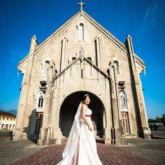 """""""When you realize you want to spend the rest of your life with somebody, you want the rest of your life to start as soon as possible."""" Bride: Yin Hoong #wedding #photo"""