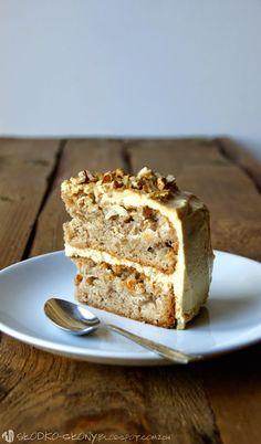 www.slodko-slony.blogspot.com - tort jabłkowo-orzechowy z karmelem / apple-walnut cake with caramel