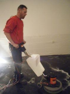 poetsen van de pleister vloer