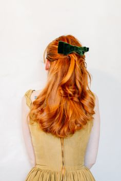 The Clothes Horse: Beauty: 3 Ways To Wear A Hair Bow