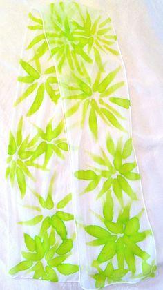 Hand Painted Silk Scarf Chartreuse Green por SilkScarvesTakuyo