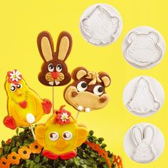 Réalisez de savoureux biscuits maison à l'aide de ces emporte-pièces en forme d'animaux. Munis d'un poussoir intégré, ils vous garantissent une découpe parfaite de votre pâte et un démoulage facile.