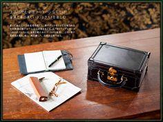 上品に佇む姿はコードバンならでは金具と革の美しいコントラストを楽しむ