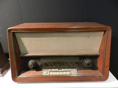 Una radio imponente d'altri tempi