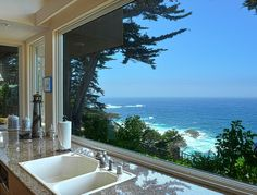 Beautiful ocean views from kitchen! :)