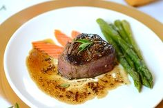 An easy, quick and tender filet mignon with madeira sauce... an elegant dish to dazzle the most demanding palates. It can be served with steamed asparagus.