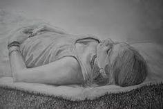 dessin de fille allonger au soleil fait par ma soeur