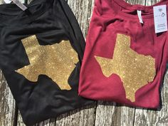 Get ready for a concert or rodeo with this cute off the shoulder long sleeve! Brand is Bella Canvas and these shirts are amazing and so comfortable! More