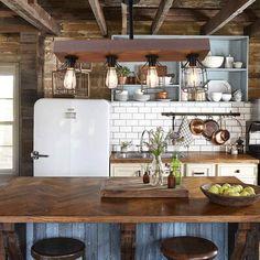 Rustic Kitchen Decor, Farmhouse Style Kitchen, Rustic Decor, Farmhouse Decor, Kitchen Wood, Old Farmhouse Kitchen, Farmhouse Design, Country Kitchen Decorating, Modern Rustic Kitchens