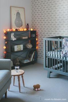 Habitación infantil atemporal gris